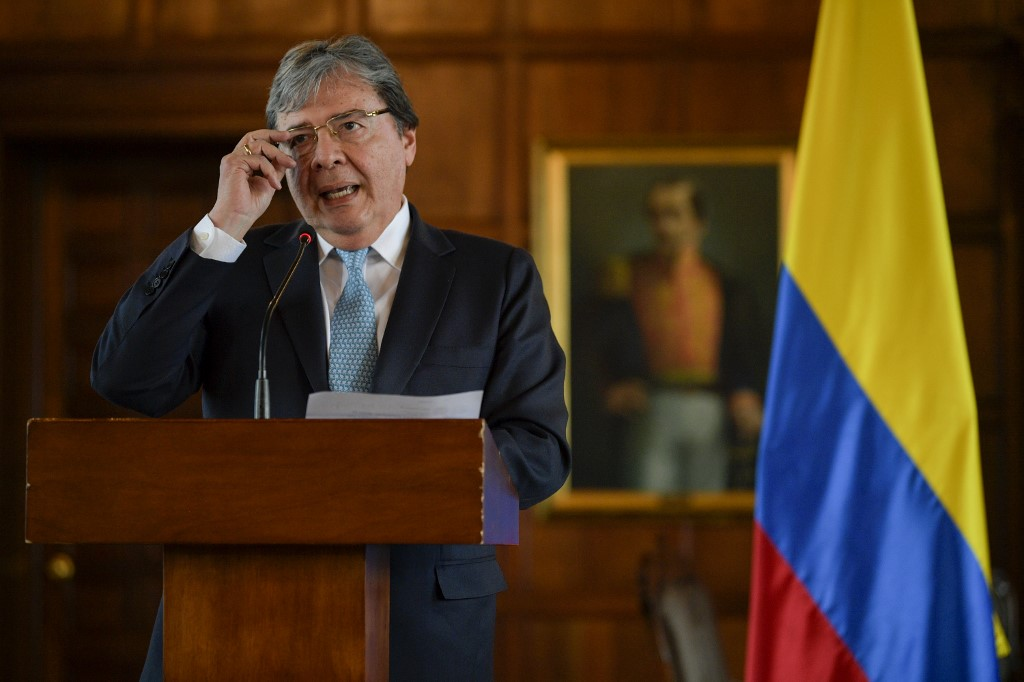 Canciller colombiano pide